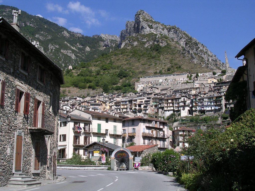 Village perché sur la Côte d'Azur