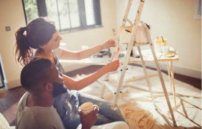 peinture-travaux-decoration-interieur-couleur-echelle-couple
